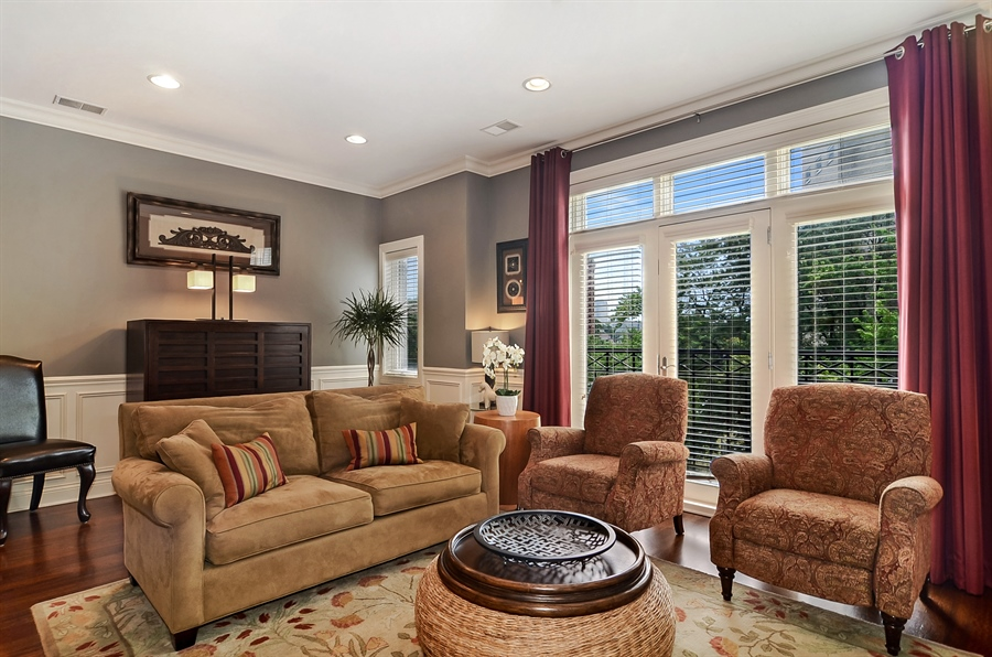 Real Estate Photography - 850 W Aldine, 3, Chicago, IL, 60657 - Living Room