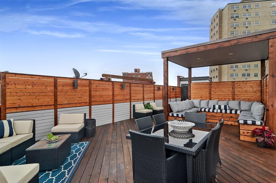 Real Estate Photography - 850 W Aldine, 3, Chicago, IL, 60657 - Roof