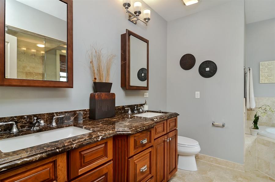 Real Estate Photography - 850 W Aldine, 3, Chicago, IL, 60657 - Master Bathroom