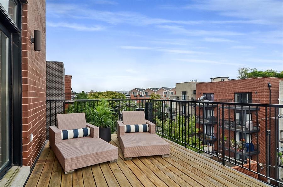 Real Estate Photography - 850 W Aldine, 3, Chicago, IL, 60657 - Front Master Terrace