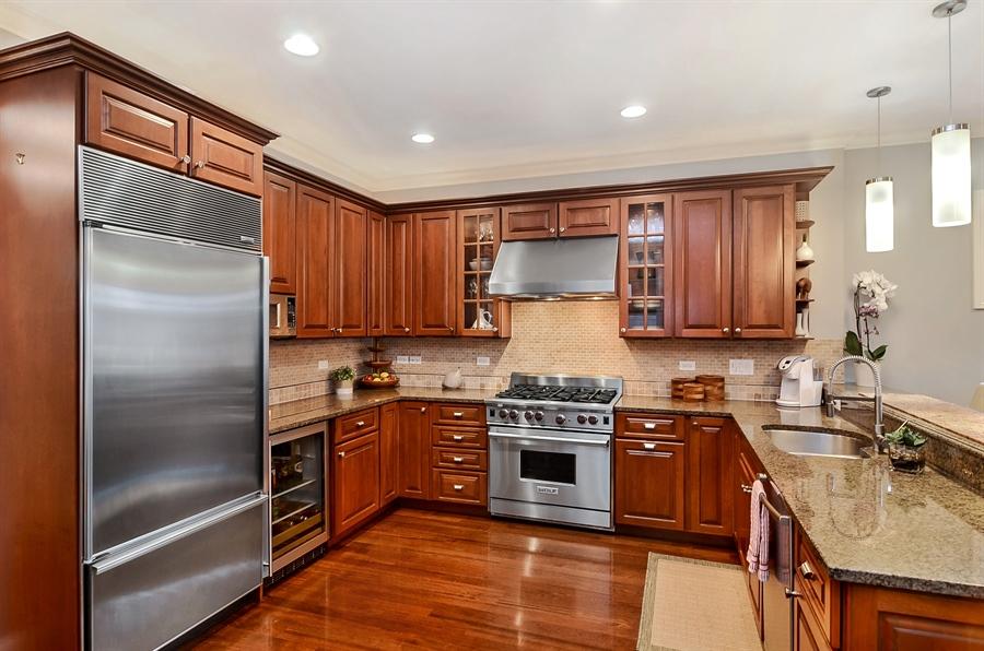 Real Estate Photography - 850 W Aldine, 3, Chicago, IL, 60657 - Kitchen