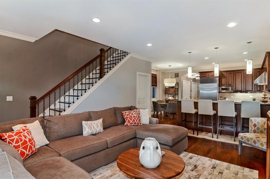 Real Estate Photography - 850 W Aldine, 3, Chicago, IL, 60657 - Family Room / Kitchen