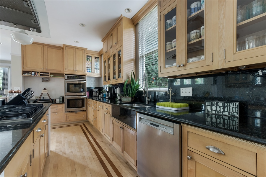 Real Estate Photography - 1241 Maple Ave, Wilmette, IL, 60091 - Kitchen