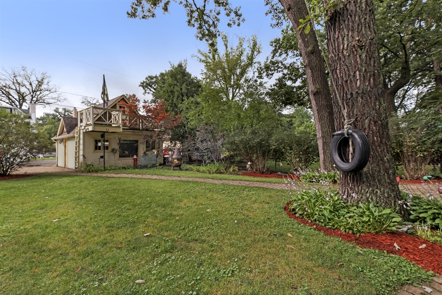 Real Estate Photography - 1241 Maple Ave, Wilmette, IL, 60091 - Back Yard