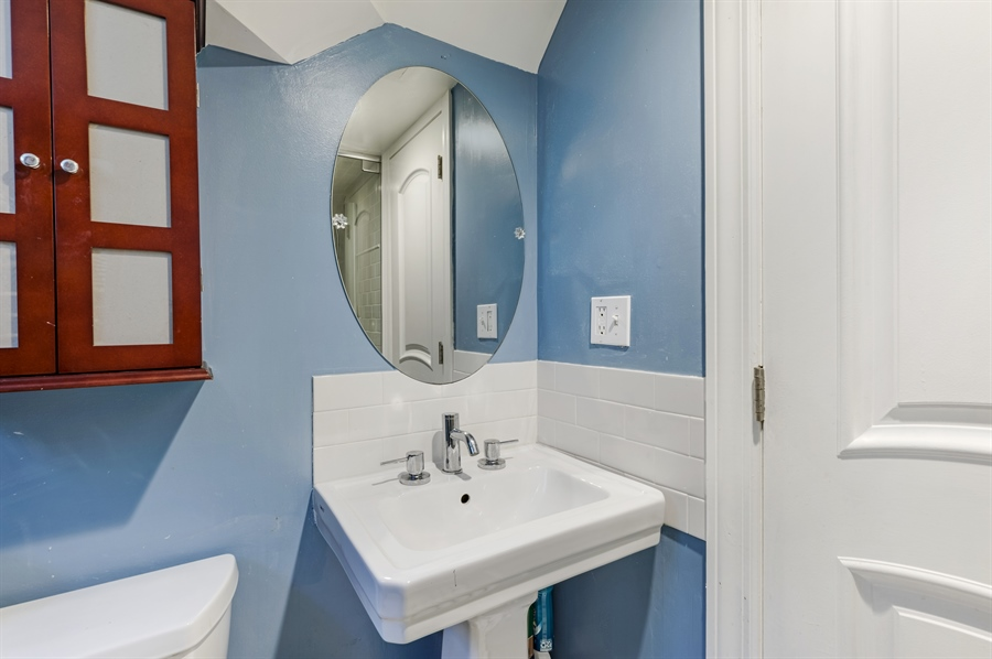 Real Estate Photography - 1241 Maple Ave, Wilmette, IL, 60091 - 2nd Bathroom