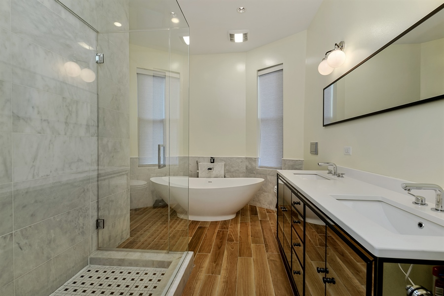 Real Estate Photography - 1018 N Oakley Blvd, Chicago, IL, 60622 - Master Bathroom