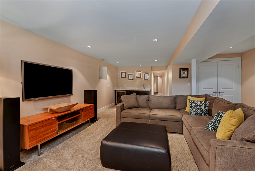Real Estate Photography - 1018 N Oakley Blvd, Chicago, IL, 60622 - Lower Level