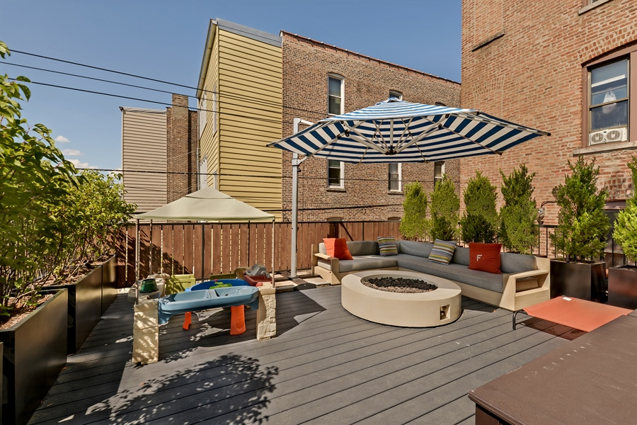 Real Estate Photography - 1018 N Oakley Blvd, Chicago, IL, 60622 - Roof Deck