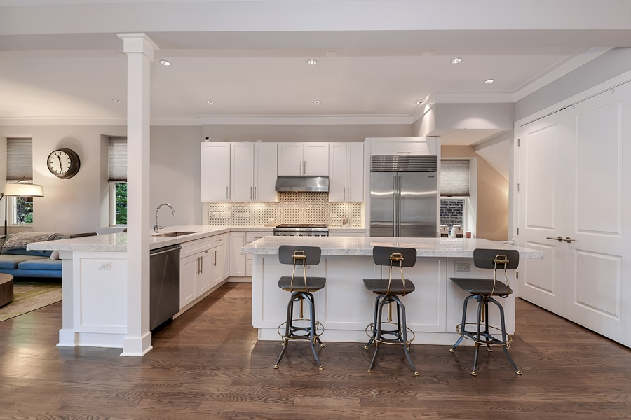 Real Estate Photography - 1018 N Oakley Blvd, Chicago, IL, 60622 - Kitchen
