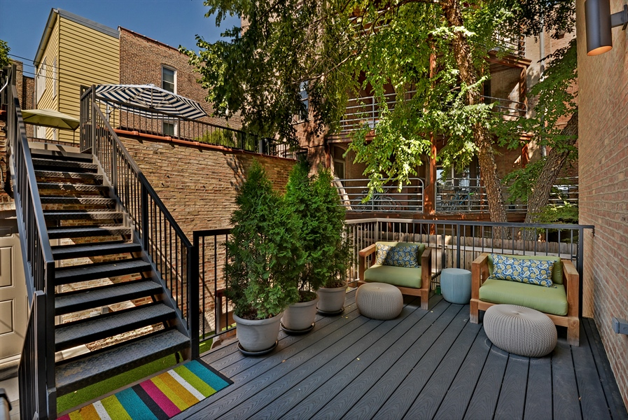 Real Estate Photography - 1018 N Oakley Blvd, Chicago, IL, 60622 - Deck