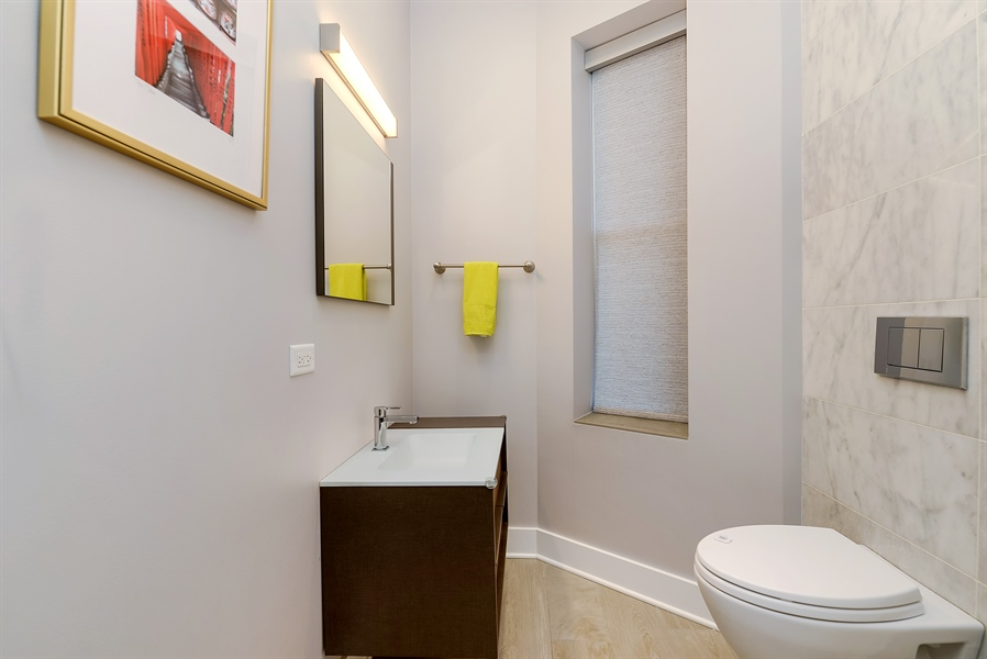 Real Estate Photography - 1018 N Oakley Blvd, Chicago, IL, 60622 - Bathroom