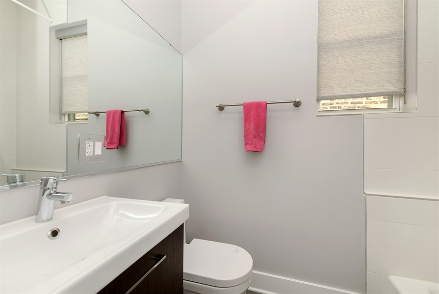 Real Estate Photography - 1018 N Oakley Blvd, Chicago, IL, 60622 - 2nd Bathroom