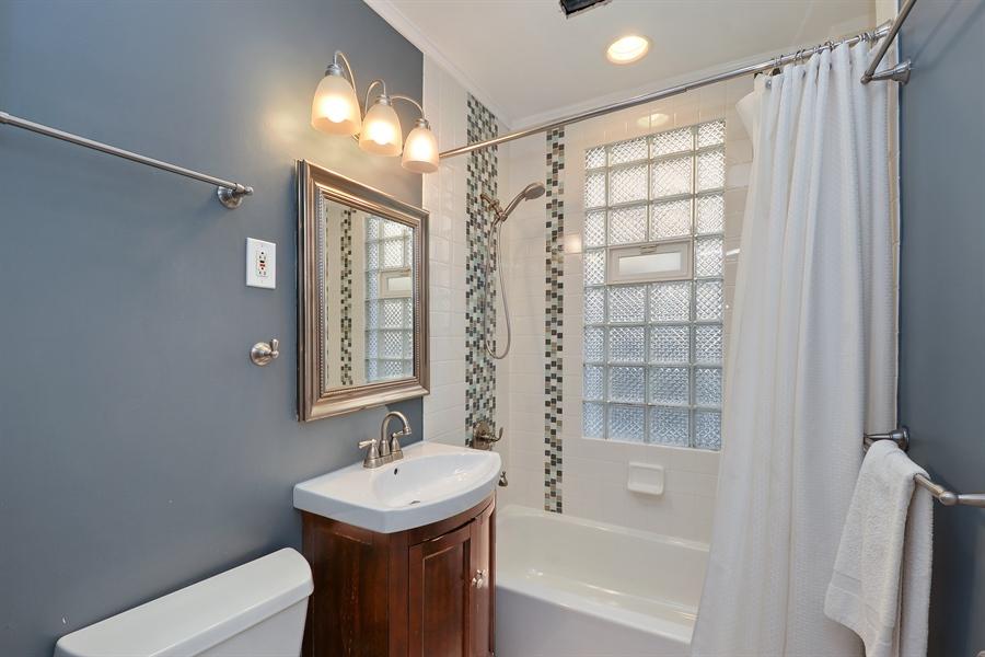 Real Estate Photography - 3742 N Ashland Ave, Unit 2, Chicago, IL, 60613 - Bathroom