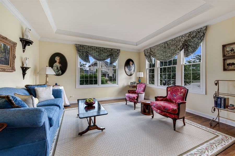 Real Estate Photography - 1748 Primrose Ln, Glenview, IL, 60026 - Living Room