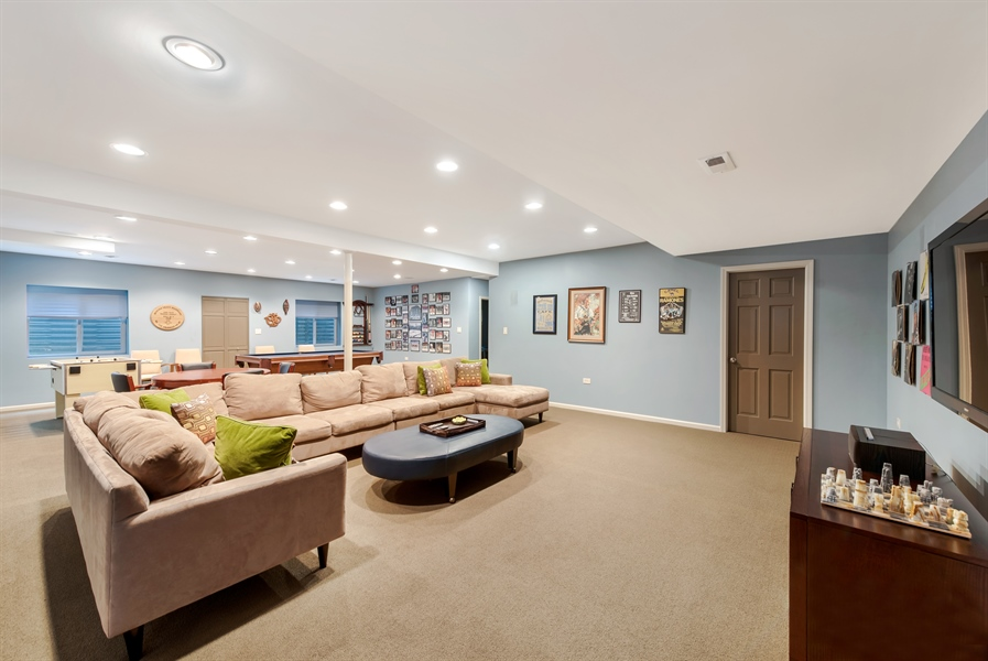 Real Estate Photography - 1748 Primrose Ln, Glenview, IL, 60026 - Recreational Room