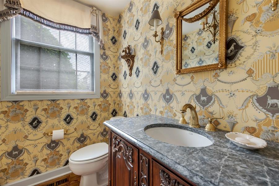 Real Estate Photography - 1748 Primrose Ln, Glenview, IL, 60026 - Powder Room