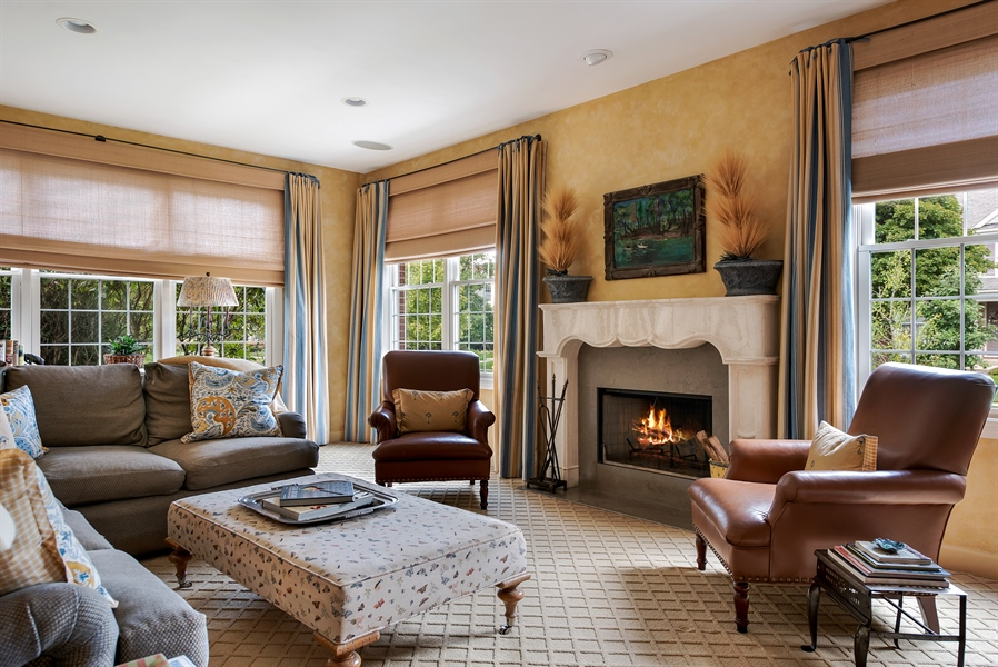 Real Estate Photography - 1748 Primrose Ln, Glenview, IL, 60026 - Family Room