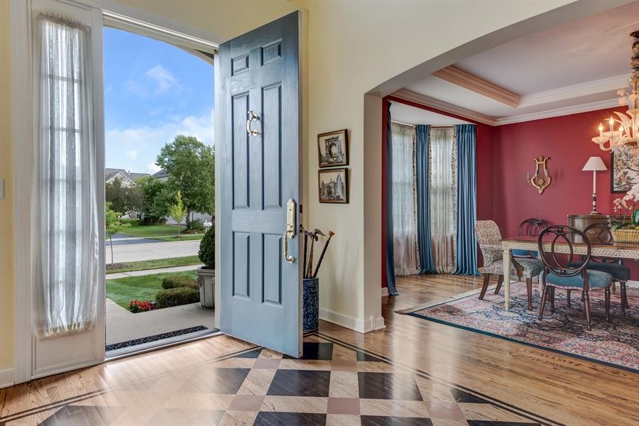 Real Estate Photography - 1748 Primrose Ln, Glenview, IL, 60026 - Foyer
