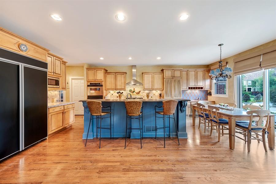 Real Estate Photography - 1748 Primrose Ln, Glenview, IL, 60026 - Kitchen