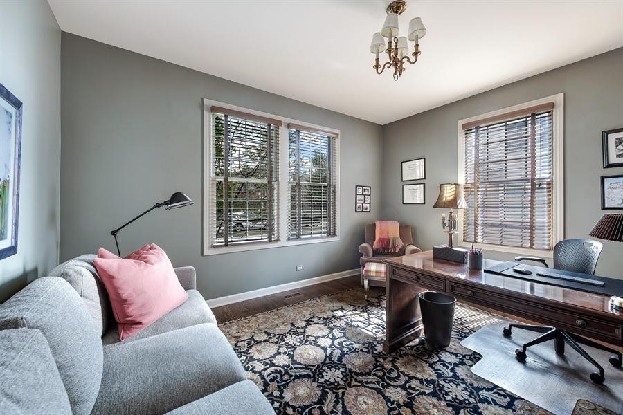 Real Estate Photography - 1748 Primrose Ln, Glenview, IL, 60026 - Office