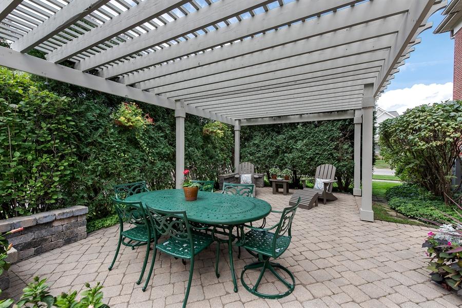 Real Estate Photography - 1748 Primrose Ln, Glenview, IL, 60026 - Verandah