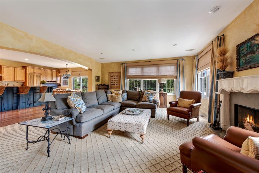 Real Estate Photography - 1748 Primrose Ln, Glenview, IL, 60026 - Family Room / Kitchen
