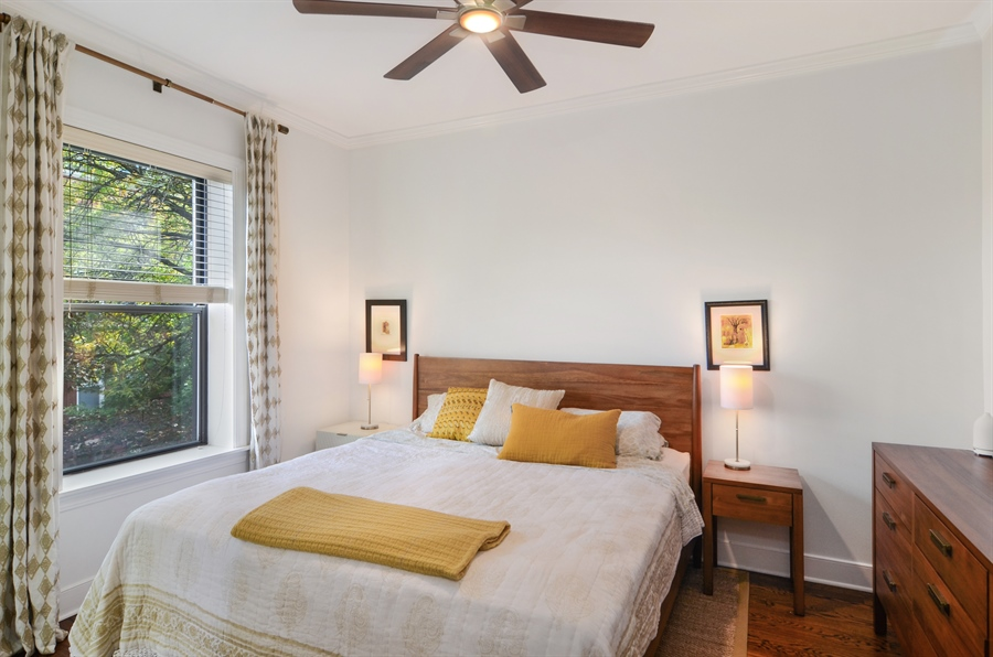Real Estate Photography - 2008 N Kennmore, Unit B, Chicago, IL, 60614 - Master Bedroom