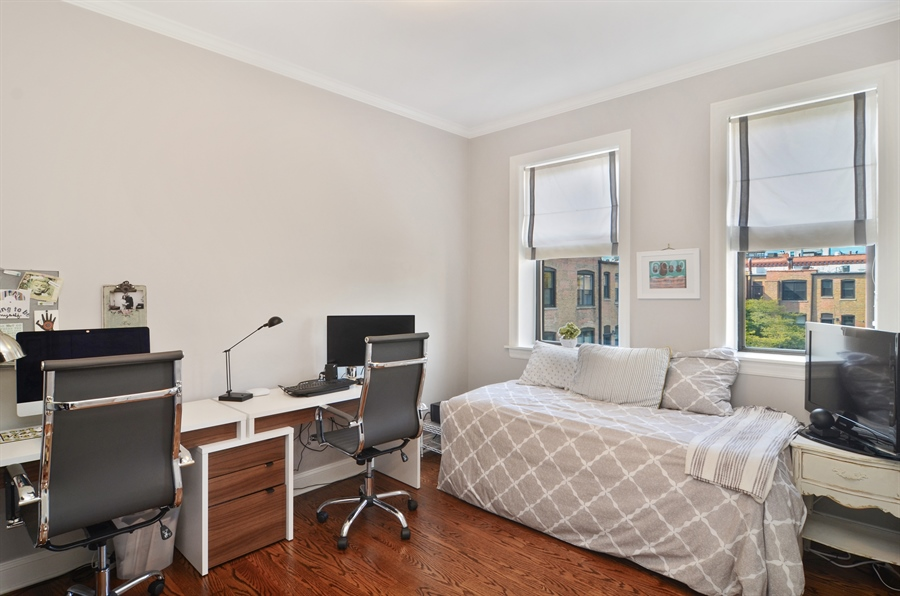 Real Estate Photography - 2008 N Kennmore, Unit B, Chicago, IL, 60614 - 3rd Bedroom