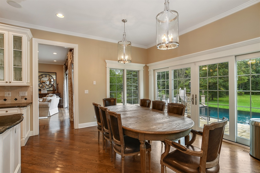 Real Estate Photography - 3393 Old Mill Rd, Highland Park, IL, 60035 - Kitchen / Breakfast Room