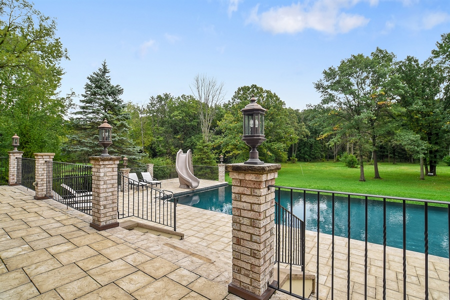 Real Estate Photography - 3393 Old Mill Rd, Highland Park, IL, 60035 - Pool