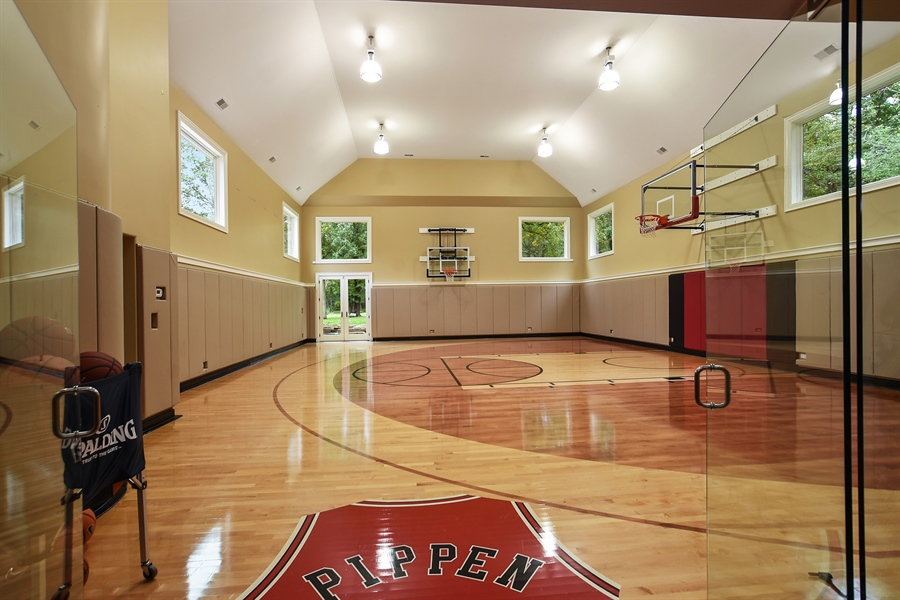 Real Estate Photography - 3393 Old Mill Rd, Highland Park, IL, 60035 - Sports Court