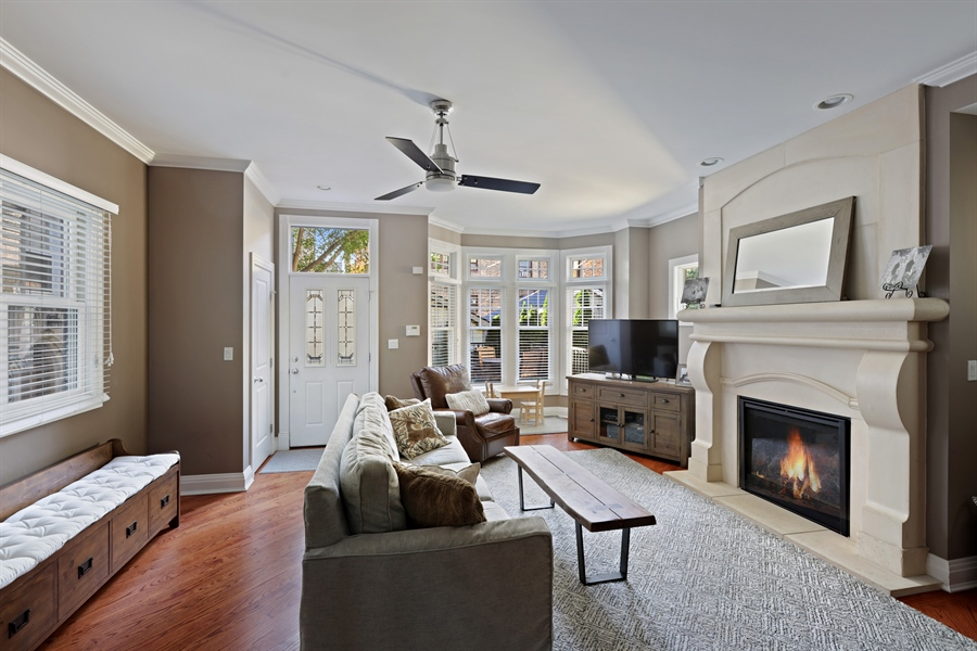 Real Estate Photography - 4714 N Wolcott, Chicago, IL, 60640 - Family Room