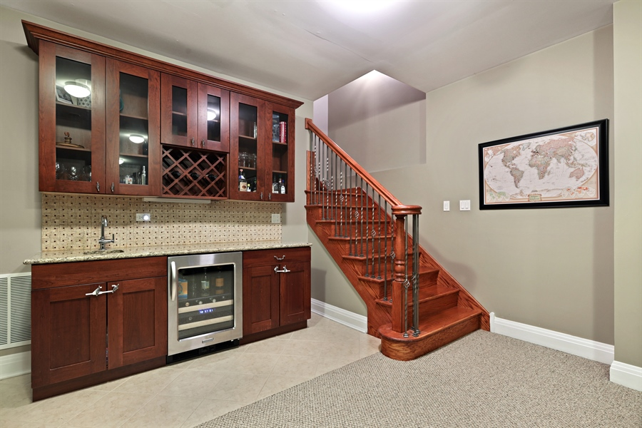 Real Estate Photography - 4714 N Wolcott, Chicago, IL, 60640 - Bar
