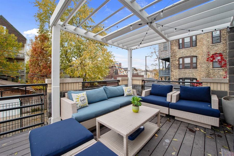 Real Estate Photography - 2338 W Charleston, Chicago, IL, 60647 - Deck