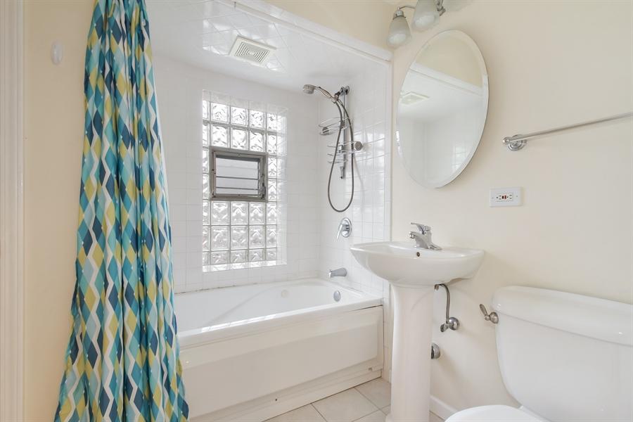 Real Estate Photography - 8014 Elmore, Niles, IL, 60714 - Bathroom