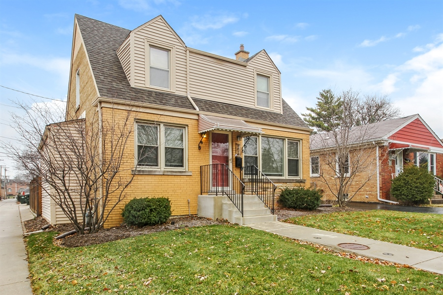 Real Estate Photography - 8014 Elmore, Niles, IL, 60714 - Front View
