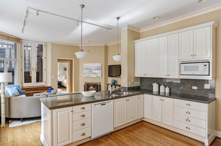 Real Estate Photography - 33 E Bellevue, 3W, Chicago, IL, 60611 - Kitchen