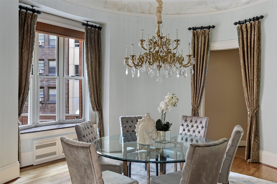 Real Estate Photography - 33 E Bellevue, 3W, Chicago, IL, 60611 - Dining Room