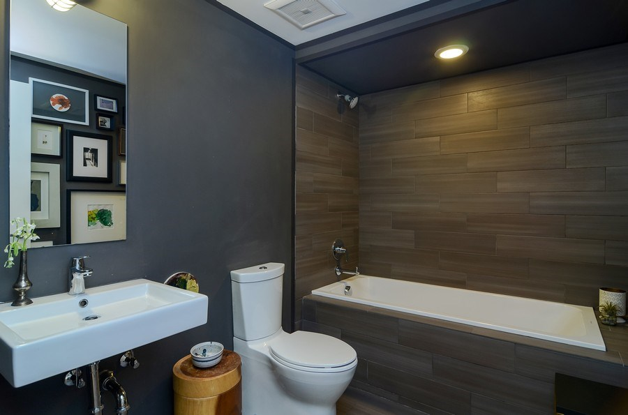 Real Estate Photography - 2811 W Shakespeare Ave, Chicago, IL, 60647 - Bathroom