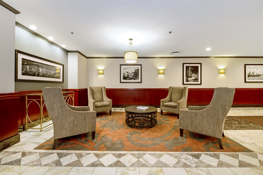 Real Estate Photography - 40 E 9th St, 1517, Chicago, IL, 60605 - Lobby