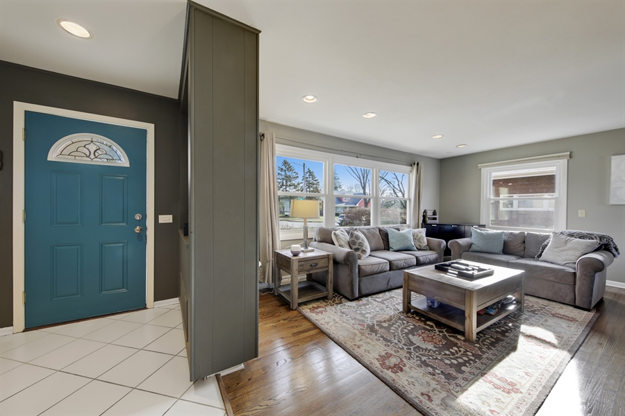 Real Estate Photography - 450 S Cedar St, Palatine, IL, 60067 - Foyer/Living Room