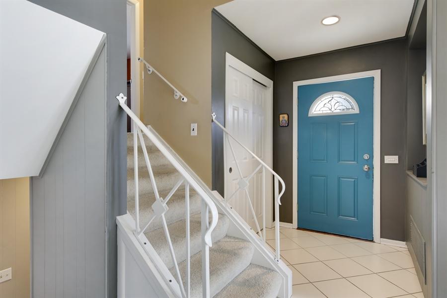 Real Estate Photography - 450 S Cedar St, Palatine, IL, 60067 - Foyer