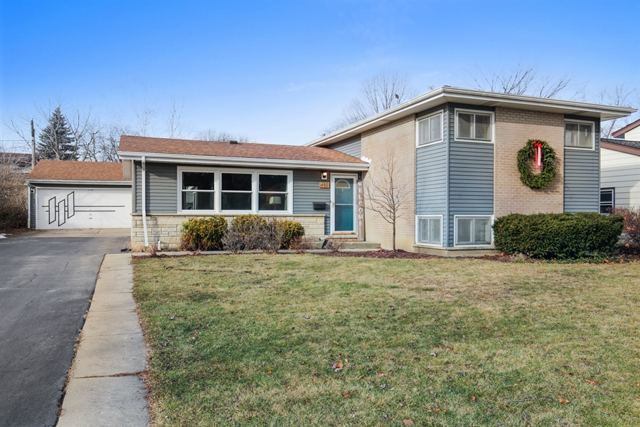 Real Estate Photography - 450 S Cedar St, Palatine, IL, 60067 - Front View