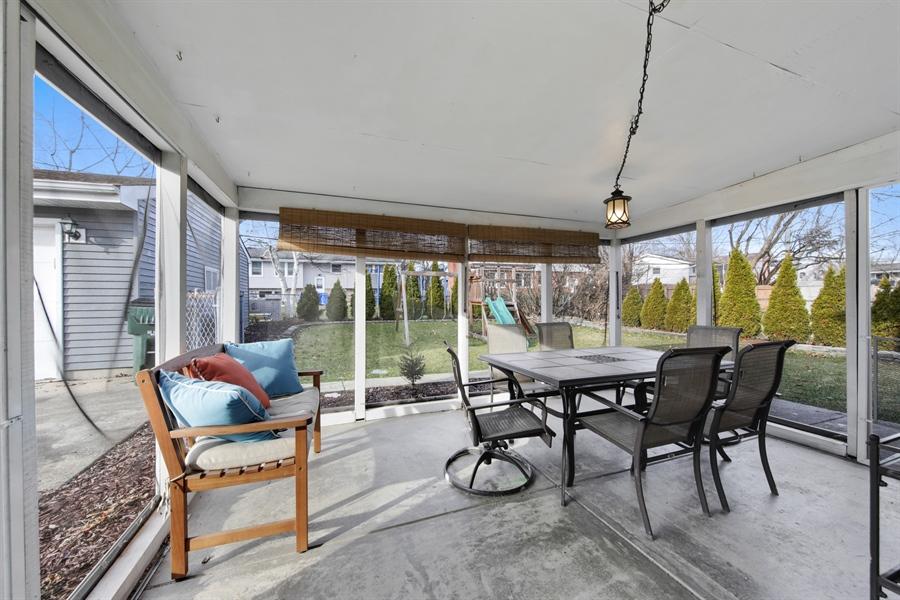 Real Estate Photography - 450 S Cedar St, Palatine, IL, 60067 - Porch