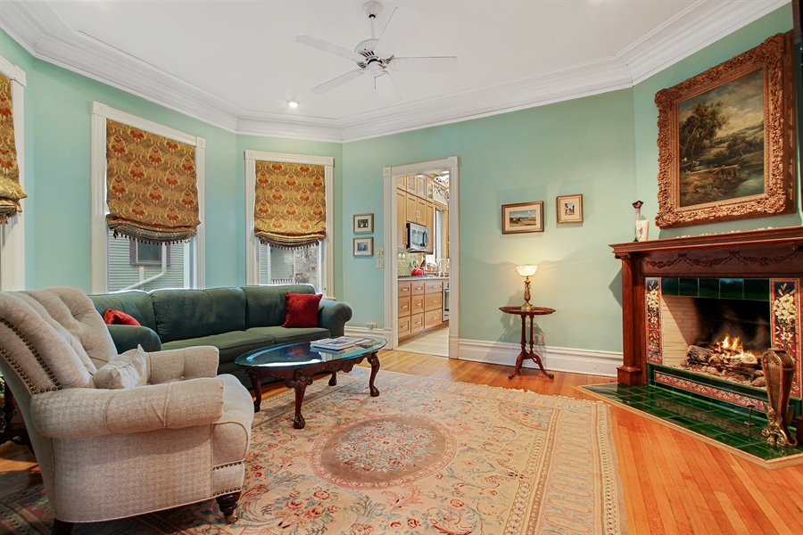 Real Estate Photography - 321 S. Euclid Ave, Oak Park, IL, 60302 - Family Room