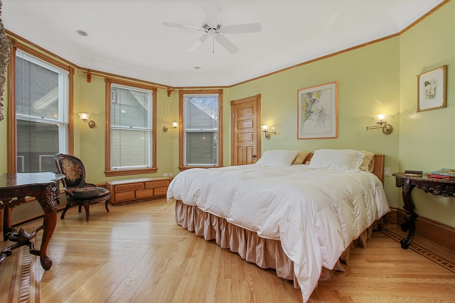 Real Estate Photography - 321 S. Euclid Ave, Oak Park, IL, 60302 - Master Bedroom