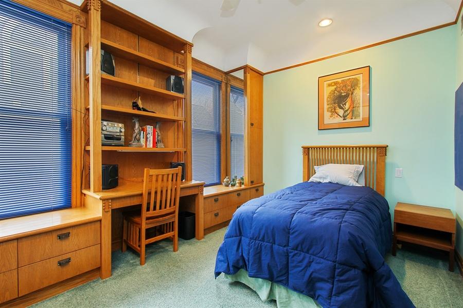 Real Estate Photography - 321 S. Euclid Ave, Oak Park, IL, 60302 - Bedroom #3