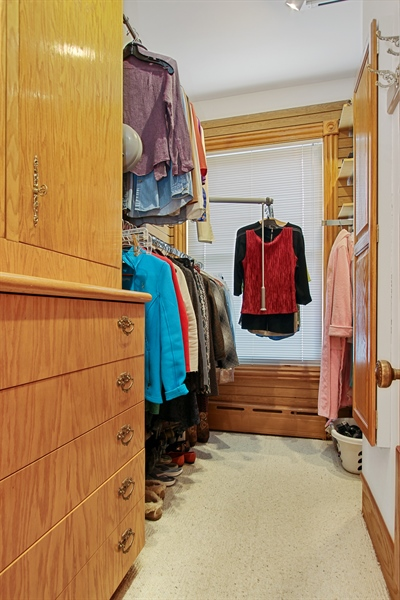 Real Estate Photography - 321 S. Euclid Ave, Oak Park, IL, 60302 - Master Bedroom Closet