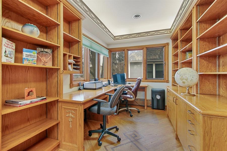 Real Estate Photography - 321 S. Euclid Ave, Oak Park, IL, 60302 - Tandem/Office