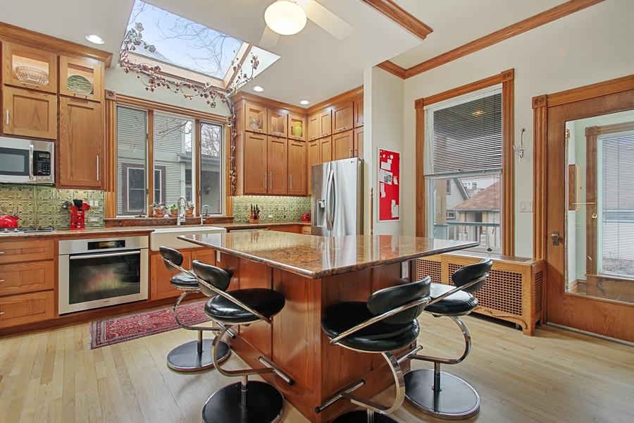 Real Estate Photography - 321 S. Euclid Ave, Oak Park, IL, 60302 - Kitchen